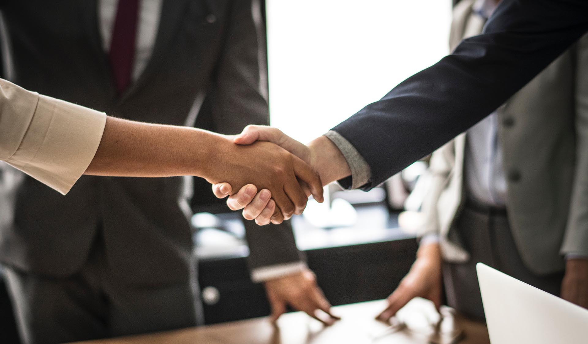 Signature de convention de partenariat de développement entre le Cabinet Fudleader et Hello World